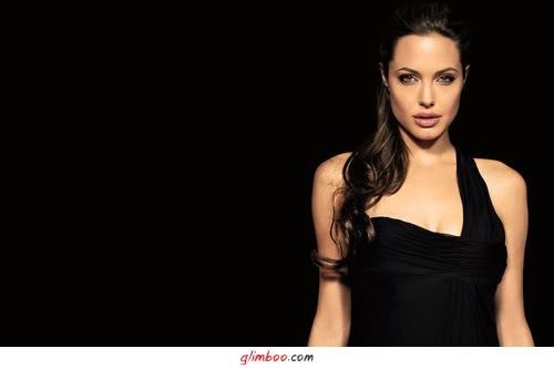 Recado Facebook Angelina Jolie