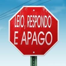 Recado Facebook Placa de trânsito: leio, respondo e apago