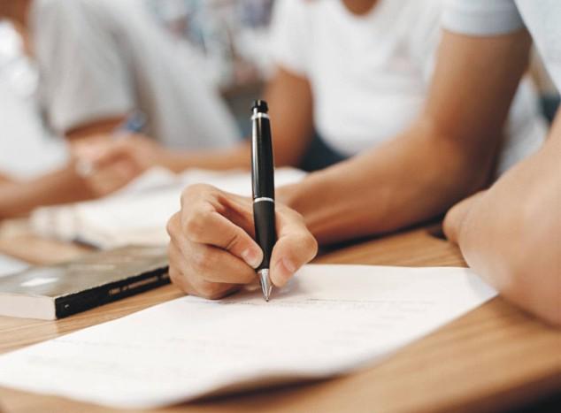 Recado Facebook Melhore sua escrita com curso de Escrita e Redação!