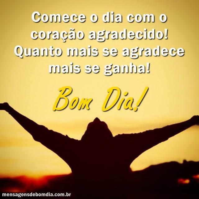 Recado Facebook Quanto mais se agradece, mais se ganha! Bom dia.